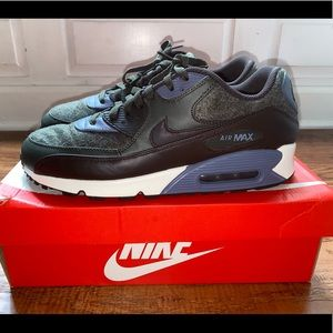 Nike air max 90 premium wool Sequoia. Size 11. New